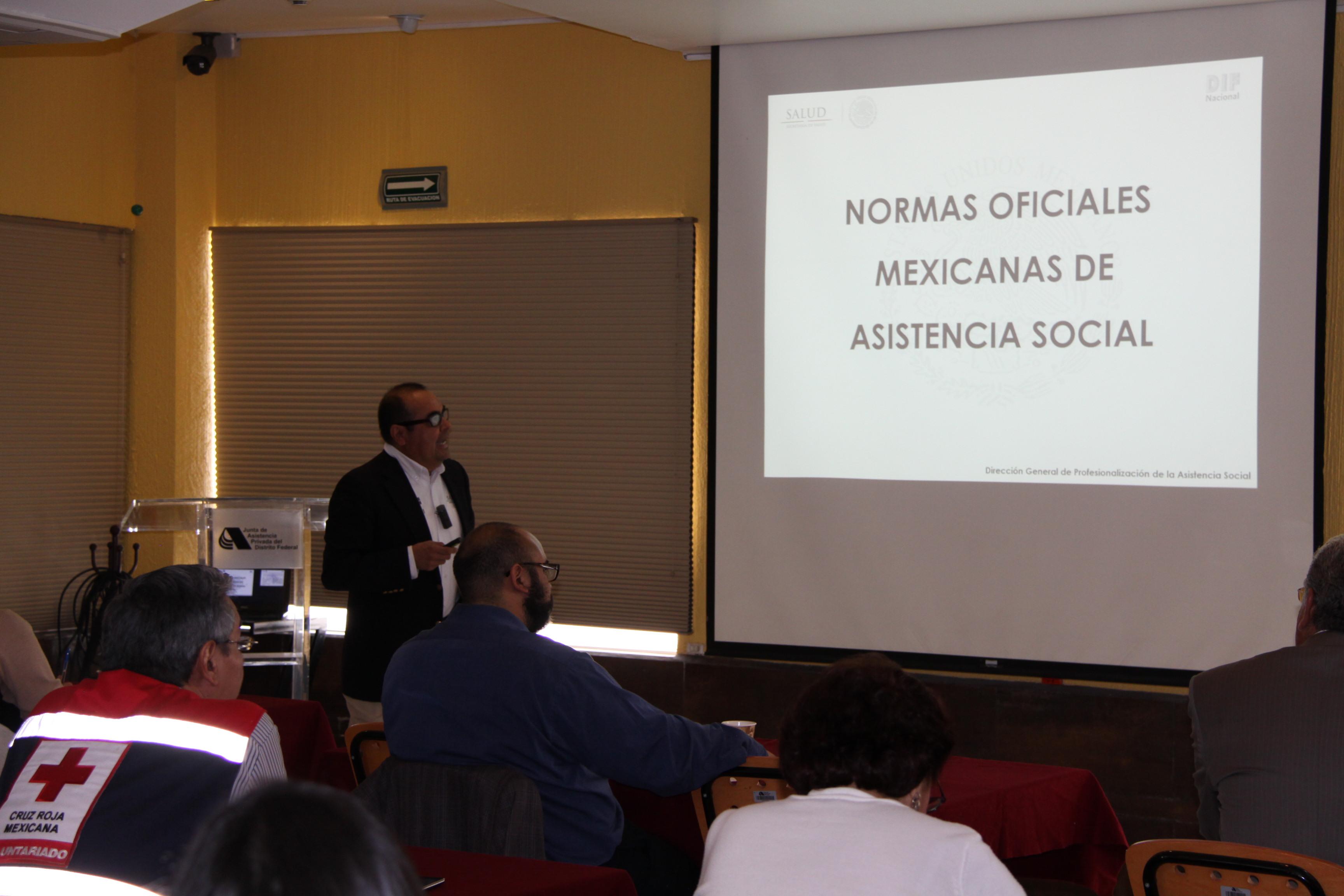 Plática sobre las Normas Oficiales Mexicanas de Asistencia Social